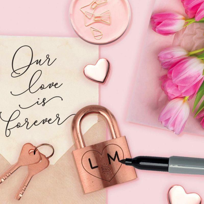 Cadenas des Amoureux Our Love Is Forever