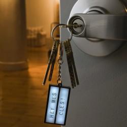 Porte-clés Boîte Lumineuse avec 75 lettres adhésives